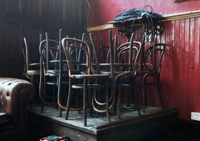 Kings Head pub / Empty Stages de Tim Etchells et Hugo Glendinning