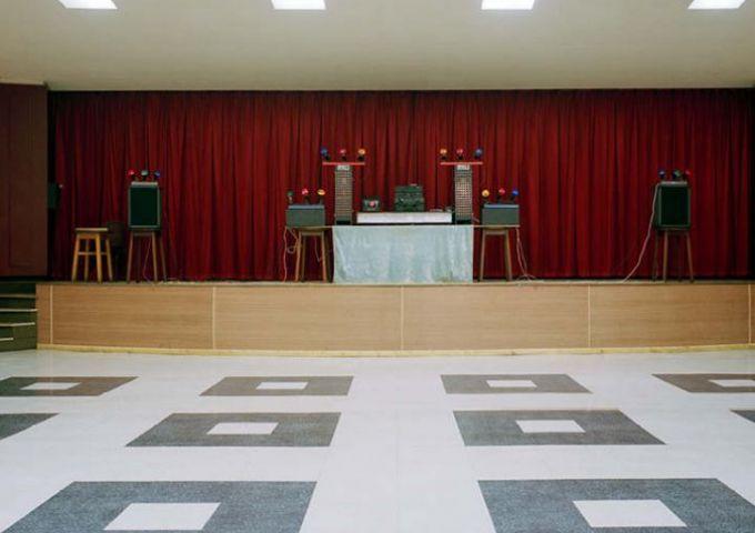 Shef discofinal / Empty Stages de Tim Etchells et Hugo Glendinning